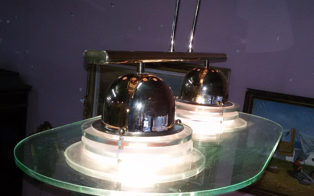 coppia lampadari in vetro con diffusori a due luci.  struttura in metallo anni 60/70
