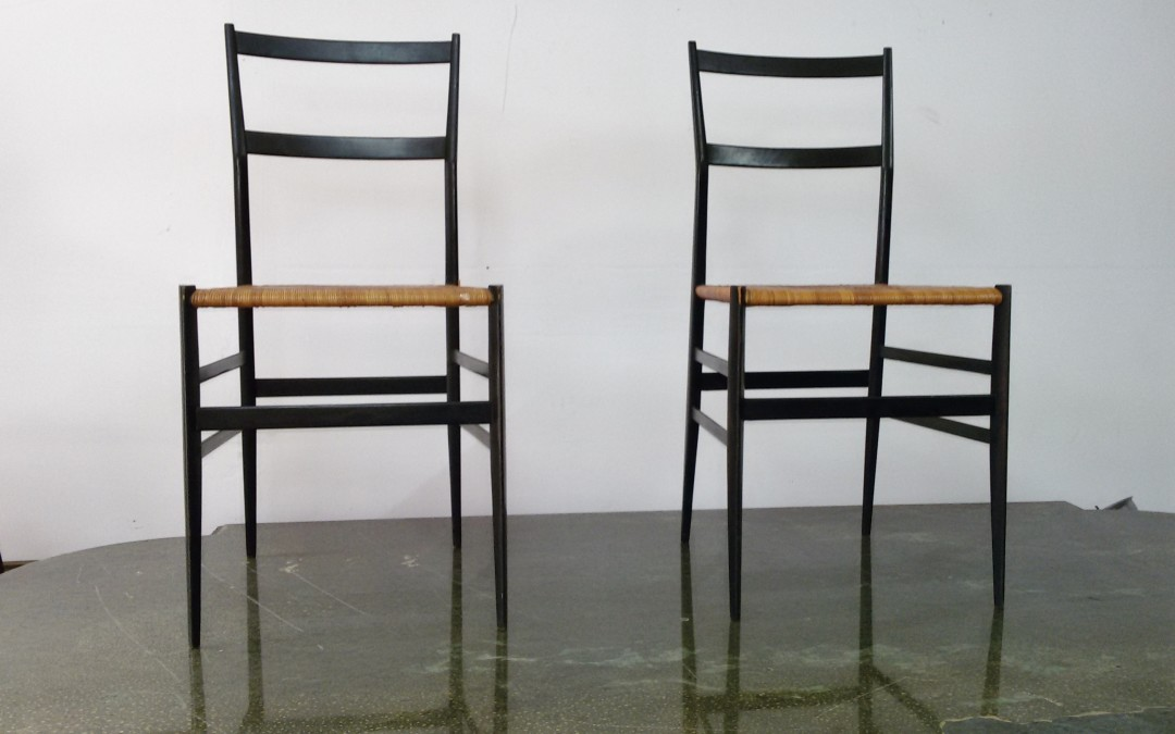 """GIO PONTI Quattro sedie """"Superleggera"""" per CASSINA, 1957. Legno laccato, seduta in canna d'India alla maniera chiavarina / SOLD"""
