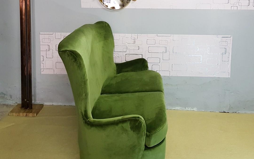 Divano sofà in velluto importante design Bega Melchiorre
