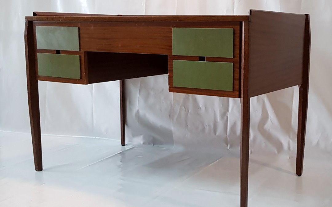 Tavolo scrittoio,scrivania desk anni 50 design attribuito a Gio Ponti