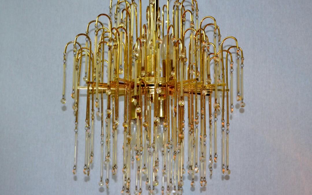 Lampadario chandelier in ottone,design anni 60 elementi di cristallo Swarovski