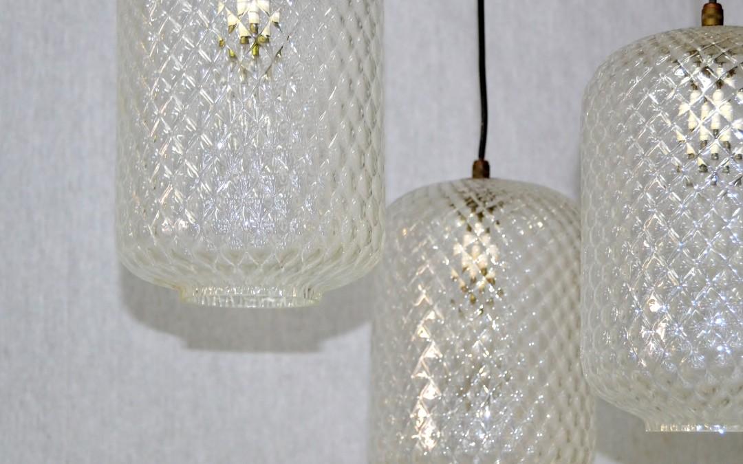 Lampadario Prod. Venini anni 1950. con tre bocce in vetro soffiato trasparente