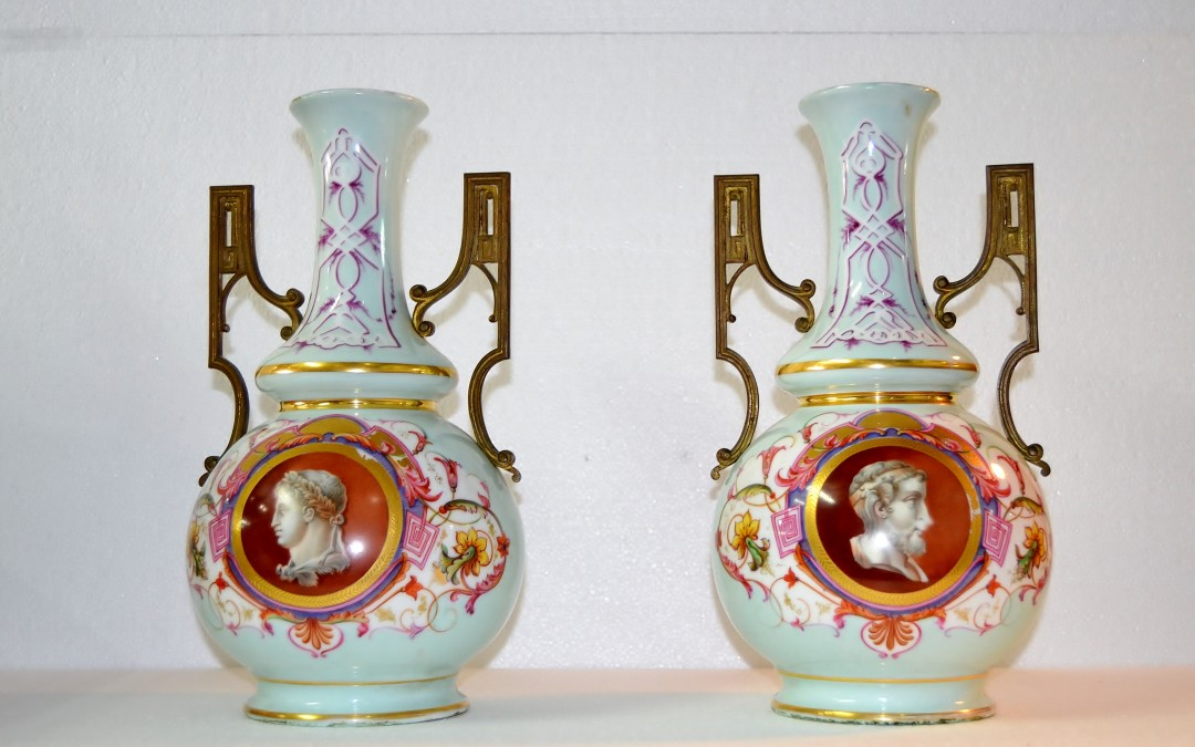 Vasi in porcellana di Sevres Pair Porcelain dipinta XIX secolo