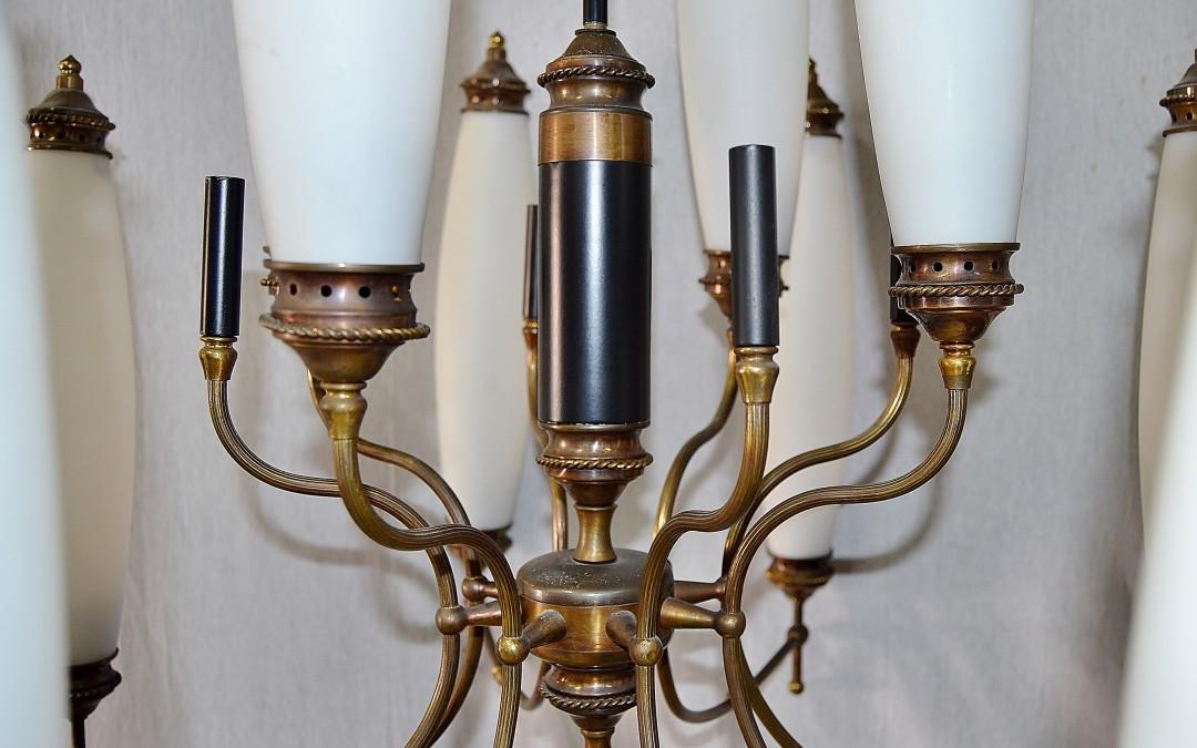 Lampadario,chandelier,12 luci in ottone design Stilnovo modernariato,anni 60