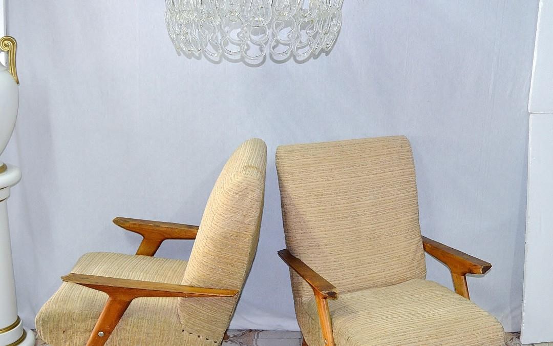 Poltrone armchairs, laterali e gambe in legno massello e tessuto, design anni 50